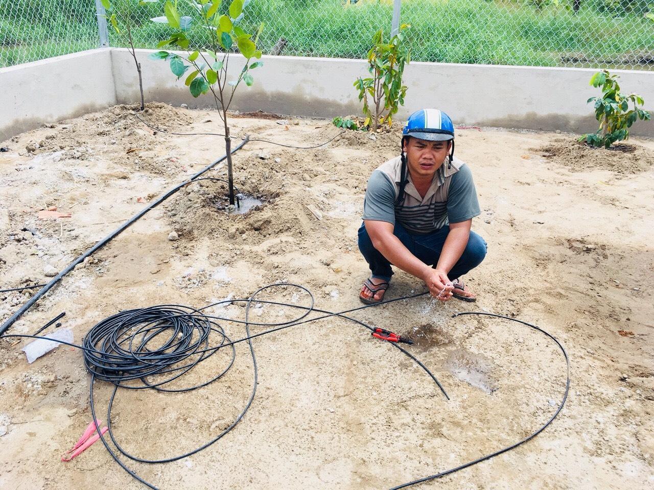 Dịch vụ lắp đặt hệ thống tưới rau trên sân thượng tự động tại tphcm